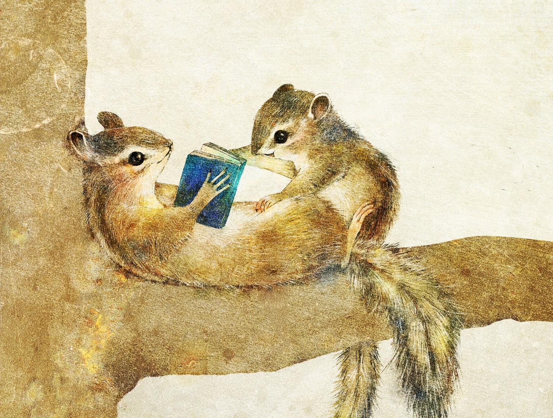 シマリスの親子のイラスト 本を読んでいる絵